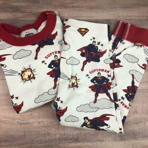 Size 100 HANNA ANDERSSON Superman pajama set